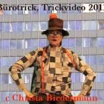 Bürotrick, 4', Realtrick, mit Ton, 2011. Langeweile im Büro ? (C.B.)